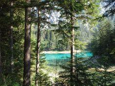 Der Grüne See in Tragöß, Steiermark ist inzwischen schon sehr bekannt. In der Umgebung gibt es einige Wanderwege, die es auch wert sind, entdeckt zu werden.