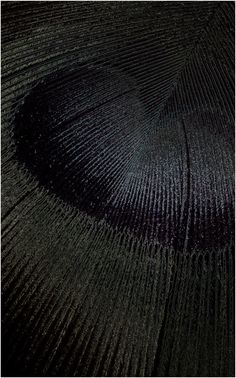 ©yama-bato: title unknown [detail of a feather], Medium unknown. Fade To Black, My Black, Shades Of Black, Black Swan, Color Black, Tachisme, Noir Ebene, Black Photography, Texture Photography