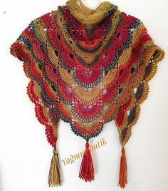 👉 @ Girls are so beautiful and attentive that you can imagine . Crochet Necklace, Beaded Necklace, Crochet Shawl, Knitting Patterns, Hippy, Accessories, Instagram, Beautiful, Macrame