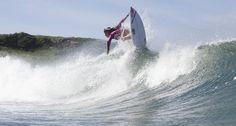 Tainá Hinckel, nossa profissional de 12 anos quebrando as ondas da Guarda do Embaú! #FamiliaMormaii #surf #waves