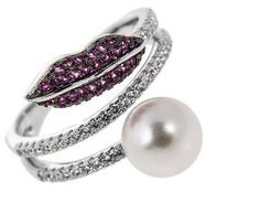 Unusual silver ring wwith natural pearl and fianits 145$