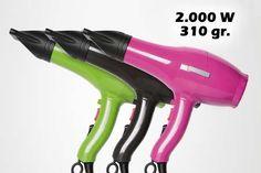Secador PLUMA PerfectBeauty. Con sus 310gr. de peso, se convierte en el secador más ligero del mercado.