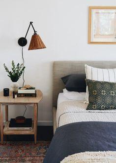 Modern Bedroom, Master Bedroom, Bedroom Decor, Decor Room, Entryway Decor, Cheap Home Decor, Diy Home Decor, Eames, Decor Inspiration