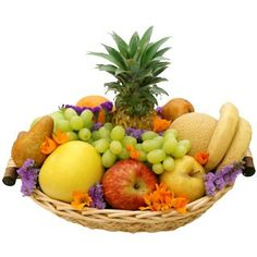 Thinking of You Fruit Basket to British-Virgin-Islands - Ukraine Flowers Delivery Fruit Centerpieces, Fruit Arrangements, New Year's Cake, Fruit Gifts, Beautiful Fruits, Same Day Flower Delivery, Mothers Day Flowers, Flowers Delivered, Rosh Hashanah