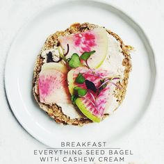 Sakara Life - Organic Meal Delivery - save 15% with code REF_CARLEYLOVE15