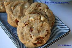 Christmas 365:  Day 11-Bake Cookies and Share -livininsd.com  Livininsd.com  #payitforward #randomactsofkindness #giving