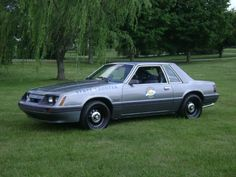 1985 Kentucky State Police Mustang.  What a G reat time I had working when I was in the Gray Ghost!