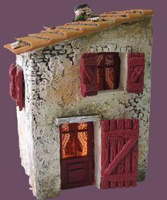 Santons Atelier de Fanny-Santons et Crèches de Noël-Santons de Provence - Maison de village n°2 - 40.00 EUR Clay Houses, Ceramic Houses, Stone Houses, Miniature Crafts, Miniature Fairy Gardens, Miniature Houses, Clay Fairy House, Fairy Houses, Plastic Container Crafts