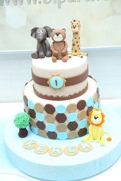 Safari cake. Safari cakes. Animal cake. First birthday cake. 1st birthday cake.