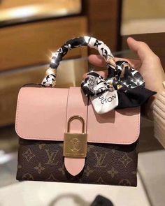 Louis Vuitton Designer, Louis Vuitton Taschen, Top Designer Handbags, Louis Vuitton Artsy, Vintage Louis Vuitton, Designer Bags, Fendi Designer, Designer Totes, Louis Vuitton Bags