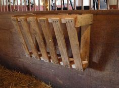 Building a Pallet Hay Feeder We started our goat herd in November of Our baby goats, 3 kids, are now about 3 to 3 months ol. Diy Hay Feeder, Goat Hay Feeder, Hay Feeder For Horses, Horse Feeder, Goat Shelter, Horse Shelter, Sheep Shelter, Horse Stalls, Horse Barns