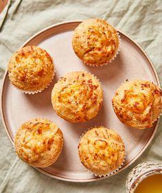 Olívás stangli | Street Kitchen Bruschetta, Cheddar, Quiche, Smoothie, Muffin, Street, Breakfast, Kitchen, Food