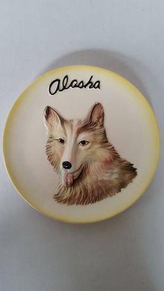 "Vintage Alaska Souvenir Plate Ceramic Sculptural Malamute Dog Wall Hanging Decorative Plate Rustic Cabin Decor 8"" Diameter by ZoomVintage on Etsy"