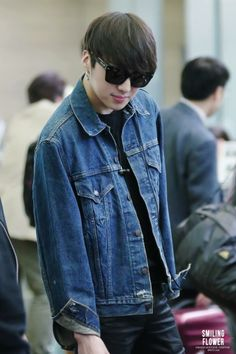 [FanTaken] 140410 Seungyoon at Incheon Airport go to Shanghai (Cr.Smiling Flower) #7 pic.twitter.com/NUMt6oNu1L