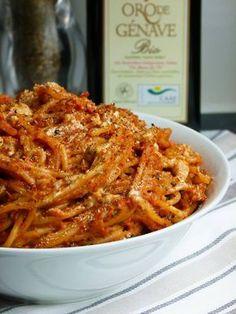 pasta mit paprika erdnuss soße
