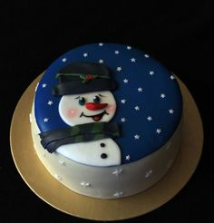 Snowman - Cake by luna … Christmas Cake Designs, Christmas Cake Decorations, Christmas Cupcakes, Holiday Cakes, Christmas Desserts, Christmas Treats, Christmas Baking, Xmas Cakes, Santa Cake