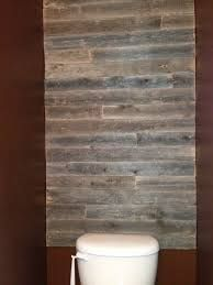 reclaimed barn board on walls in bathrooms - Imma doin this!