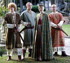 Beautifully accurate 12th century Medieval clothing; Palio di Legnano, Italia.