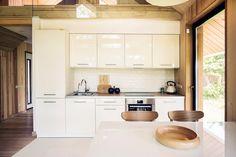 10 Small Modular Scandinavian Style Home Scandinavian Cottage, Modern Scandinavian Interior, Scandinavian Architecture, Scandinavian Style Home, Interior Architecture, Interior Design, Small Modular Homes, Modular Home Designs, Small Country Homes