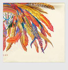 pañuelo de seda con estampado de plumas