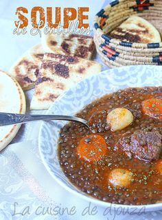 Soupe de lentilles recette algérienne Algerian Recipes, Algerian Food, Tagine Recipes, Chili, The Cure, Oatmeal, Food And Drink, Vegetarian, Soups