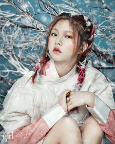 Yeo Hyewon by Shin Seonhye for Voguegirl Korea Jan 2015