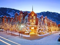 #wintergetaway Aspen, CO City Guide