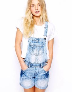 Discover the latest fashion and trends in menswear and womenswear at ASOS. Shop this season's collection of clothes, accessories, beauty and more. Dungarees Shorts, Overalls Outfit, Asos Online Shopping, Latest Fashion Clothes, Overall Shorts, New Look, Women Wear, Outfits, Beauty
