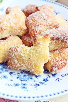 s'Bastelkistle: süße Osterhasen aus einem Quark-Öl Teig