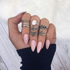 Imagen de nails, pink, and rings
