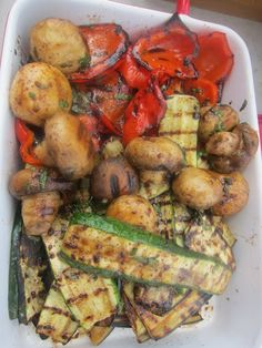 Grilled veggies, I could eat these every day. Barbecue Recipes, Grilling Recipes, Veggie Recipes, Cooking Recipes, Healthy Recipes, Chicken Recipes, Grilled Vegetables, Fruits And Veggies, Salads