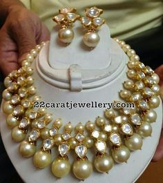 Latest Collection of best Indian Jewellery Designs. Indian Wedding Jewelry, Bridal Jewelry, Beaded Jewelry, Gold Jewellery, Daisy Jewellery, Antique Jewellery, Bridesmaid Jewelry, Pearl Jewelry, Beaded Necklace