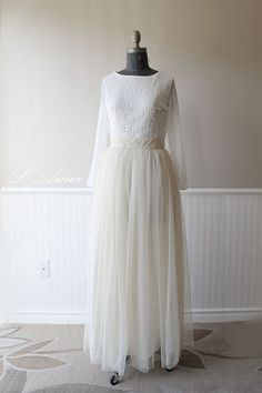 Hand made Rustic Vintage Lace Wedding Gown Country Rustic by LAmei