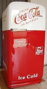 Paint Your Refrigerator! Vintage Fridge, Vintage Coke, Pepsi, Coca Cola Kitchen, Cocoa Cola, Coca Cola Decor, Coca Cola Santa, Coke Machine, Vintage Refrigerator