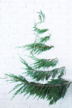 Árbol de Navidad con ramas verdes : via La Chimenea de las Hadas