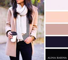 Remera a rayas. Una bufanda a tono y un abrigo completan este outfit.
