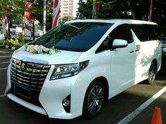 Mau tau Harga Sewa Mobil Pengantin Alphard cek perbandingan harganya dari jasa - jasa di Jakarta