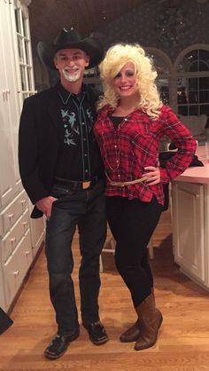 An easy Dolly Parton and Kenny Rogers Halloween costume idea