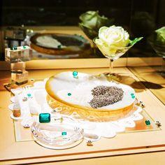 #Vicore #emerald #gem #gemstone #jewel #champagne #event #show #smaragd #green #colombia #art #jewelry #investment #auction #gems Emerald Gem, Gem Diamonds, Gem S, Champagne, Auction, Events, Gemstones, Photo And Video, Green