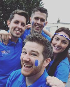 The WLR FM Street Team were in the Square in Thurles ahead of the all Ireland semi final replay between Waterford and the old enemy Kilkenny. Come on Waterford! Up the Déise! #WLRFM #waterford #blaas #waterfordvkilkenny