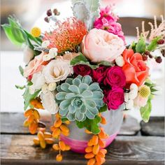 Wedding flowers. Love the color combination!