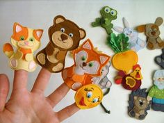 Sewing Toys For Kids Felt Books 16 Ideas Felt Puppets, Puppets For Kids, Felt Finger Puppets, Sewing Toys, Sewing Crafts, Sewing Projects, Finger Puppet Patterns, Felt Books, Quiet Books