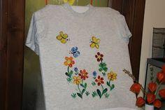 Zo starého trička nové - maľba na textil. / New from old t-shirts - painting on fabric.