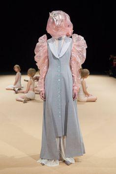 Couture Fashion, Fashion Art, Runway Fashion, High Fashion, Fashion Show, Vintage Fashion, Fashion Looks, Fashion Outfits, Womens Fashion