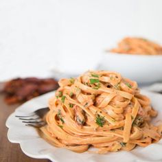 Creamy Sundried Tomato Fettuccine 19 Copycat Recipes For The Cheesecake Factory recipes cheesecake factory 19 Copycat Recipes For The Cheesecake Factory Vegetarian Recipes, Cooking Recipes, Healthy Recipes, Fondue Recipes, Restaurant Recipes, Dinner Recipes, Greek Yogurt Pasta, Cheesecake Factory Copycat, Fettucine Alfredo