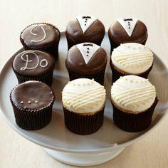 Super cute Wedding Cupcakes