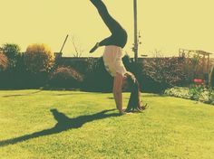 Crouch straddle handstand xx