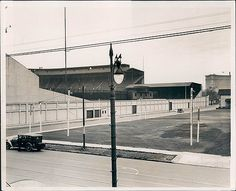 Navin Field Detroit Sports, Detroit Tigers Baseball, Sports Baseball, Baseball Field, Tiger Stadium, Sports Stadium, History Projects, Fighter Jets, Past