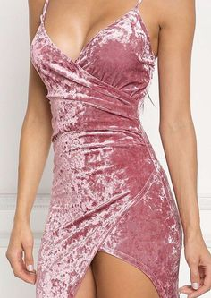 Mauve Crushed Velvet Surplice Bodycon Dress Dresses The Effective Pictures We Offer You About Short Dress A quality picture can tell you many things. You can find the most beautiful pictures that can Hoco Dresses, Tight Dresses, Pretty Dresses, Homecoming Dresses, Sexy Dresses, Beautiful Dresses, Fashion Dresses, Formal Dresses, Mode Outfits