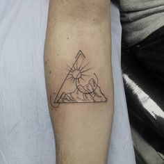 40 Unique Triangle Tattoo Meaning and Designs for Dreamers